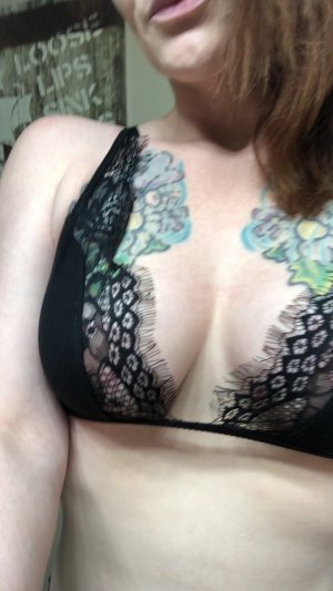 Lorely milf hook up in Fargo North Dakota